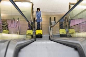 Апарати для очищення сходів та ескалаторів